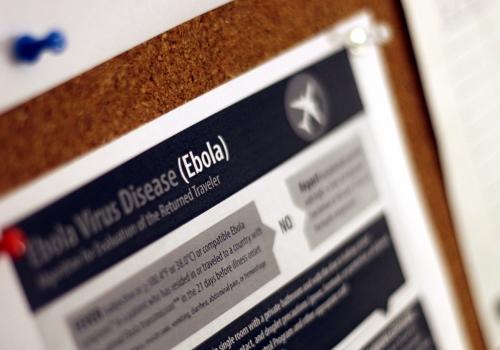 Ebola-Hinweisplakat, über dts Nachrichtenagentur