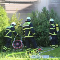 01-07-15_BY-Memmingen_Brand_Wohnung_Huehnerberg-Feuerwehr_Poeppel_new-facts-eu0012