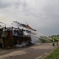 22-07-15_BW_Kisslegg-Kebach_Brand_Bauernhof_Poeppel_new-facts-eu0012