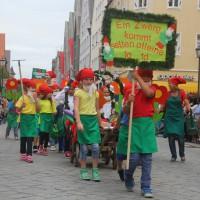 23-07-2015_Memminger-Kinderfest-2015_Umzug_Kuehnl_new-facts-eu0093