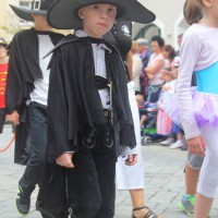 23-07-2015_Memminger-Kinderfest-2015_Umzug_Kuehnl_new-facts-eu0115