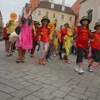 23-07-2015_Memminger-Kinderfest-2015_Umzug_Kuehnl_new-facts-eu0116