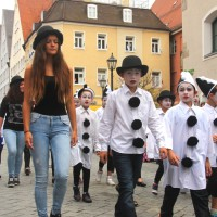 23-07-2015_Memminger-Kinderfest-2015_Umzug_Kuehnl_new-facts-eu0117