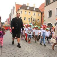 23-07-2015_Memminger-Kinderfest-2015_Umzug_Kuehnl_new-facts-eu0120