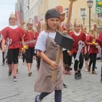 23-07-2015_Memminger-Kinderfest-2015_Umzug_Kuehnl_new-facts-eu0134
