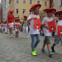 23-07-2015_Memminger-Kinderfest-2015_Umzug_Kuehnl_new-facts-eu0156