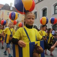 23-07-2015_Memminger-Kinderfest-2015_Umzug_Kuehnl_new-facts-eu0181