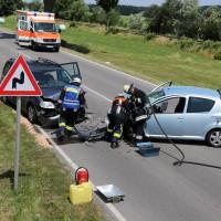 Frontallzusammenstoß-Biessenhofen-B16-11-07-2015-vier-Verletzte-Vollsperrung-Rettungswagen-Notarzt-Ostallgäu-Bringezu-Feuerwehr (35)