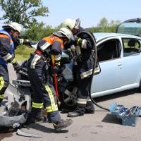 Frontallzusammenstoß-Biessenhofen-B16-11-07-2015-vier-Verletzte-Vollsperrung-Rettungswagen-Notarzt-Ostallgäu-Bringezu-Feuerwehr (50)