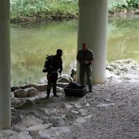 Polizeitaucher-Kaufbeuren-Wertach-09.07 (20)