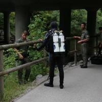Polizeitaucher-Kaufbeuren-Wertach-09.07 (6)