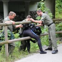 Polizeitaucher-Kaufbeuren-Wertach-09.07 (7)