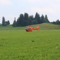 Unfall-Elbsee-Telefonmast-BMW-Seniorin-verletzt-kein Telefon-Mast-abgerissen-Rettungdienst-Hubschrauber-new-facts.eu-Thorsten-Bringezu-Aitrang (1)