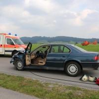 Unfall-Elbsee-Telefonmast-BMW-Seniorin-verletzt-kein Telefon-Mast-abgerissen-Rettungdienst-Hubschrauber-new-facts.eu-Thorsten-Bringezu-Aitrang (13)