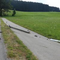 Unfall-Elbsee-Telefonmast-BMW-Seniorin-verletzt-kein Telefon-Mast-abgerissen-Rettungdienst-Hubschrauber-new-facts.eu-Thorsten-Bringezu-Aitrang (5)