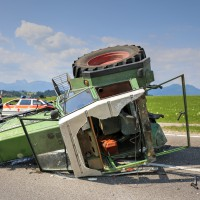 Unfall-St2008-Seeg-Legenwang-PKW-gegen-Traktor-4-Verletzte- Ostallgäu-Bringezu-Rettungshubschrauber (33)_tonemapped