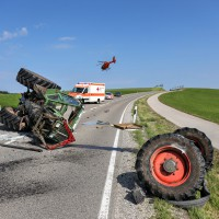 Unfall-St2008-Seeg-Legenwang-PKW-gegen-Traktor-4-Verletzte- Ostallgäu-Bringezu-Rettungshubschrauber (68)_tonemapped