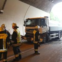 18-08-2015_A96_Kohlbergtunnel_Stetten_Erkheim_Lkw-Unfall_Vollsperrung_Feuerwehr_Poeppel_new-facts-eu0041