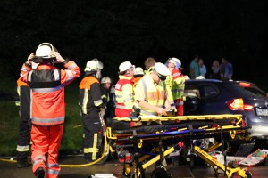 24-08-2015_BY-B300_Babenhausen_Unfall_Feuerwehr_Poeppel_new-facts-eu0018