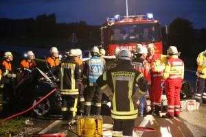 24-08-2015_BY-B300_Babenhausen_Unfall_Feuerwehr_Poeppel_new-facts-eu0047