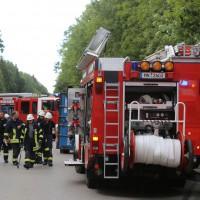 27-08-2015_BY_Unterallgaeu_Ottobeuren_Lkw-Unfall_schwer_Feuerwehr_Poeppel0014