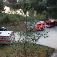 BY _Günzburg, PKW in Donau