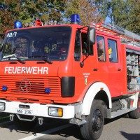 02-10-2015_B312_a7-Berkheim_Lkw-Unfall-drei-Sattelzuege_pkw_feuerwehr_Poeppel0014