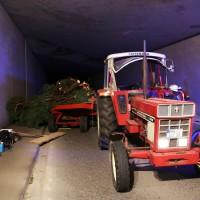 09-10-2015_Unterallgaeu_Wolfertschwenden_Woringen_Unfall_Traktor_pkw_feuerwehr_Poeppel0003