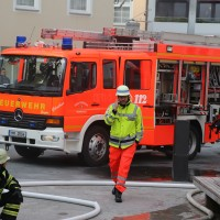 21-10-2015_Memmingen_Zimmerbrand_Theaterplatz_Feuerwehr_Poeppel_new-facts-eu006