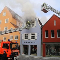 21-10-2015_Memmingen_Zimmerbrand_Theaterplatz_Feuerwehr_Poeppel_new-facts-eu007
