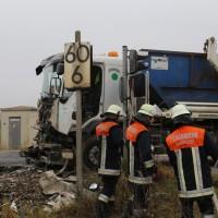 26-10-2015_Neu-Ulm_Illertissen_Jeddesheim_Bahnunfall_Lkw_Regionalbahn_Poeppel_new-facts-eu0006