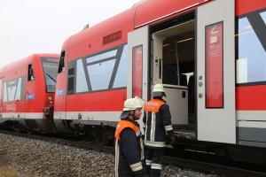 26-10-2015_Neu-Ulm_Illertissen_Jeddesheim_Bahnunfall_Lkw_Regionalbahn_Poeppel_new-facts-eu0015