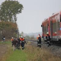 26-10-2015_Neu-Ulm_Illertissen_Jeddesheim_Bahnunfall_Lkw_Regionalbahn_Poeppel_new-facts-eu0035