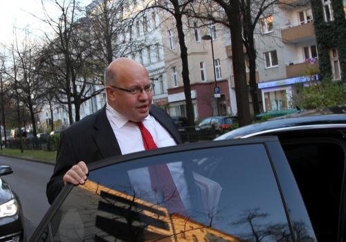 Peter Altmaier steigt in seien Dienstwagen, über dts Nachrichtenagentur