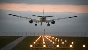 Flugzeuge Landeanflug Airport