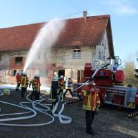 07-11-2015_Biberach_Gutenzell-uebung_Bauernhof-Brand_Feuerwehr_new-facts-eu0044