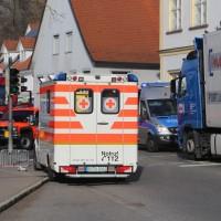 13-11-2015_Biberach_Ochsenhausen_Lkw_Frau_Fussgaengerweg_Feuerwehr_Poeppel_new-facts-eu0014