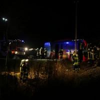 2015_BY_Unterallgaeu_Breitenbrunn_Unfall_Regionalzug_Linienbus_Feuerwehr_Poeppel_new-facts-eu0013
