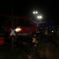 2015_BY_Unterallgaeu_Breitenbrunn_Unfall_Regionalzug_Linienbus_Feuerwehr_Poeppel_new-facts-eu0029