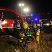 2015_BY_Unterallgaeu_Breitenbrunn_Unfall_Regionalzug_Linienbus_Feuerwehr_Poeppel_new-facts-eu0031