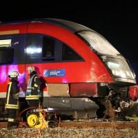 2015_BY_Unterallgaeu_Breitenbrunn_Unfall_Regionalzug_Linienbus_Feuerwehr_Poeppel_new-facts-eu0036