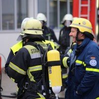 01-12-2015_Unterallgaeu_Ottobeuren_Brand-Rauch_Metallbetrieb_Feuerwehr_Poeppel_new-facts-eu0012