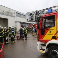 01-12-2015_Unterallgaeu_Ottobeuren_Brand-Rauch_Metallbetrieb_Feuerwehr_Poeppel_new-facts-eu0025