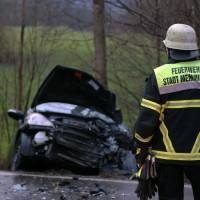 16-12-2015_Memmingen_Volkratshofen_Ferthofen_Unfall_Feuerwehr_Poeppel_new-facts-eu0011