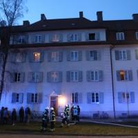 03-01-2016_Memmingen_Metzgerweg_Zimmerbrand_Verletzte_Feuerwehr_Poeppel_new-facts-eu0001