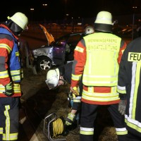 03-01-2016_Unterallgaeu_Memmingerberg_Airport_Unfall_Feuerwehr_Poeppel_new-facts-eu0023