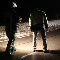 03-01-2016_Unterallgaeu_Ottobeuren_Leupolz_Unfall_Fussgaenger_toedlich_Pkw-Feuerwehr_Poeppel_new-facts-eu0015