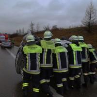 11-01-2016_A96_Erkheim_Unfall_Feuerwehr_Poeppel_new-facts-eu0010
