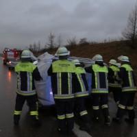 11-01-2016_A96_Erkheim_Unfall_Feuerwehr_Poeppel_new-facts-eu0011