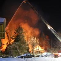 20-01-2016_Oberallgaeu_Altusried_Greuth_Brand_Bauerhof_Feuerwehr_Poeppel_new-facts-eu_mm-zeitung-online_0042